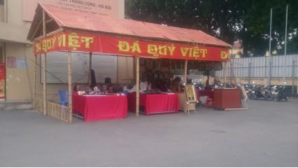 Chợ cuối tuần Hoàng thành Thăng Long