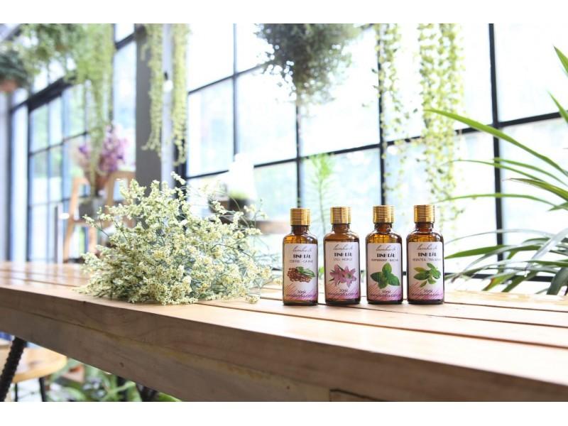 Bộ 4 lọ tinh dầu tắm sảng khoái chào ngày mới Cà phê, Hoa ly, Trà Xanh, Bạc Hà