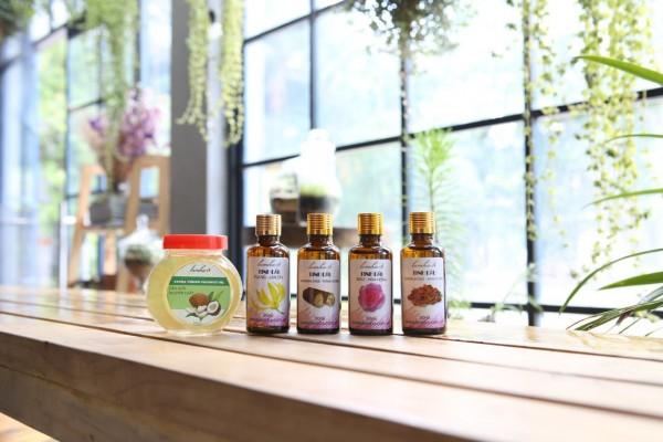 Bộ 5 lọ tinh dầu massage thư giãn toàn thân Hoa Hồng, Hoa Lan, Đàn Hương, Trầm Hương, Dầu Dừa